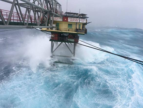 4 ngày phức tạp và nguy hiểm của bão Tembin - Ảnh 1.