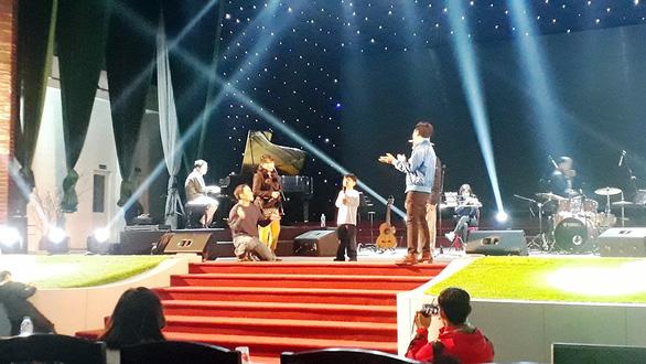 Thần đồng piano gốc Việt Evan Le tránh xa showbiz - Ảnh 4.
