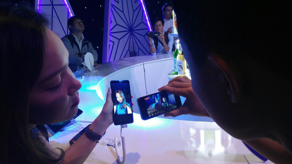 Ra mắt dòng điện thoại camera selfie kép Galaxy A8 và A8+ tại Việt Nam - Ảnh 2.