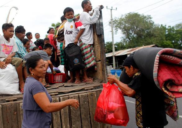 Di tản 100.000 người ở Bali vì núi lửa rùng mình - Ảnh 6.