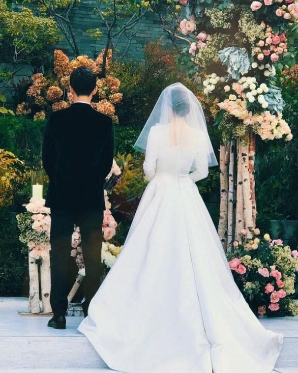 Những điều khiến fan phát điên trong đám cưới Song - Song - Ảnh 15.