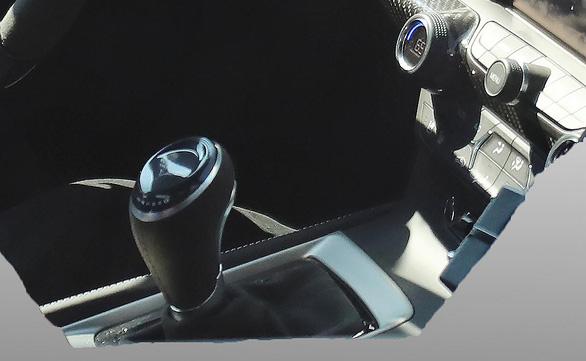 Chevy Corvette ZR1 2019 'cực chất' tại triển lãm xe Dubai - Ảnh 3.