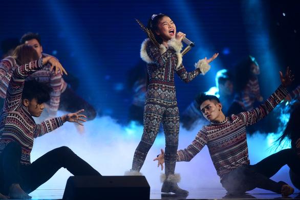Ngọc Ánh giành quán quân Giọng hát Việt nhí 2017 - Ảnh 10.