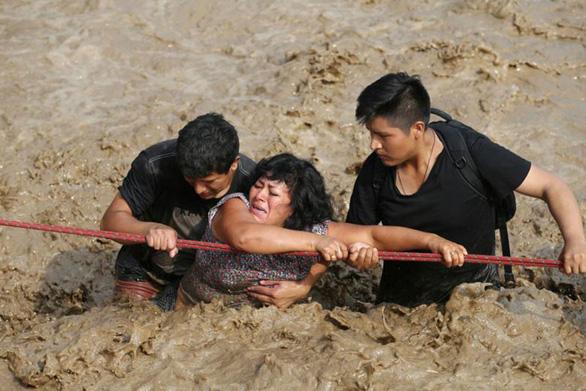 Sốc với ảnh thảm họa thiên nhiên dữ dội năm 2017 - Ảnh 12.