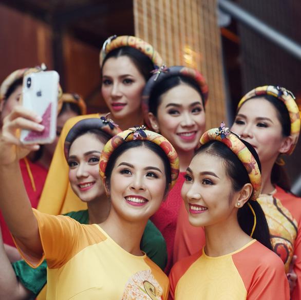 Ngọc Hân trình diễn Bức họa đồng quê tại APEC - Ảnh 4.