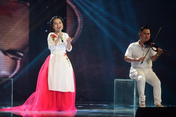Ngọc Ánh giành quán quân Giọng hát Việt nhí 2017 - Ảnh 12.