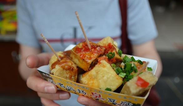 Đi Đài Loan ăn gì ở chợ đêm Nhiêu Hà? - Ảnh 4.