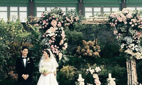 Những điều khiến fan phát điên trong đám cưới Song - Song - Ảnh 18.