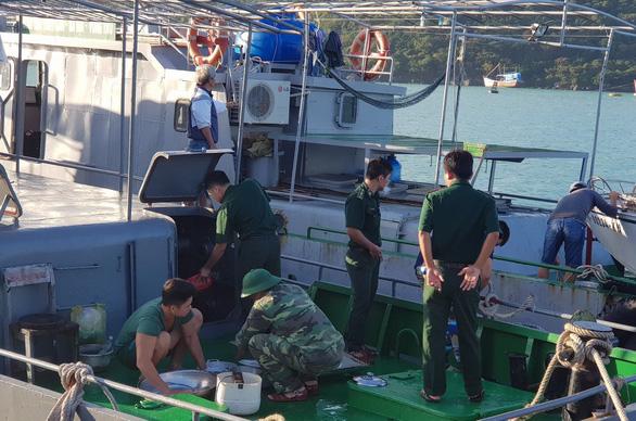 Hàng ngàn ngư dân tại Côn Đảo sẵn sàng ra khơi - Ảnh 7.
