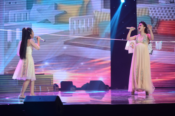 Ngọc Ánh giành quán quân Giọng hát Việt nhí 2017 - Ảnh 15.