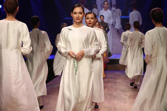 Diệu Fashion show và khi áo dài trên nền nhạc Trịnh - Ảnh 6.