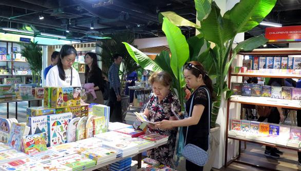 'Rừng sách nhiệt đới' - thành phố sách giữa Sài Gòn - Ảnh 5.