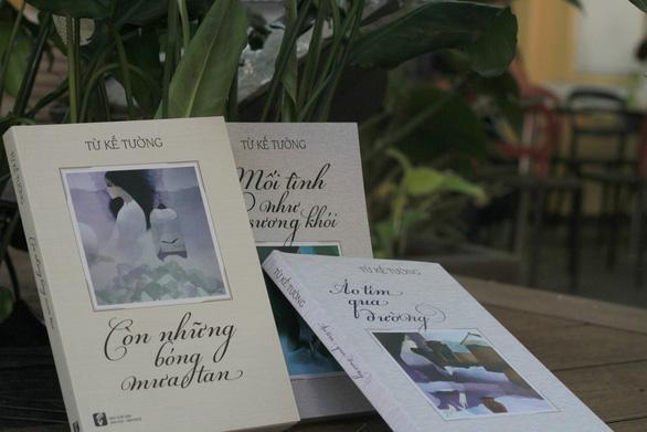 Nhà văn Từ Kế Tường ngồi dựa nắng mưa, tìm trang sách cũ - Ảnh 2.