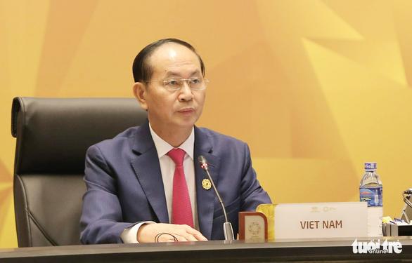 Các nhà lãnh đạo kinh tế bắt đầu phiên họp quan trọng nhất APEC - Ảnh 3.