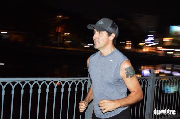 Thủ tướng Canada chạy bộ ở bờ kè kênh Nhiêu Lộc - Thị Nghè - Ảnh 3.