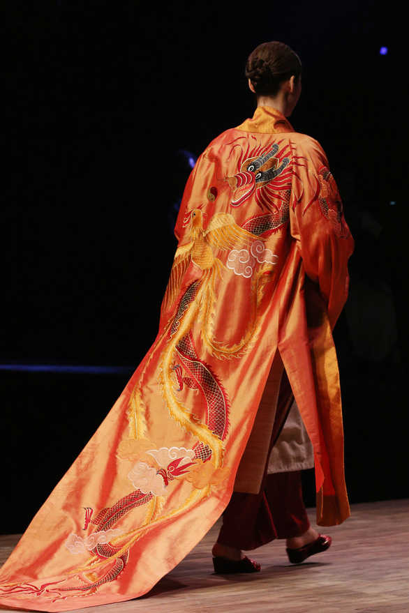 Diệu Fashion show và khi áo dài trên nền nhạc Trịnh - Ảnh 9.