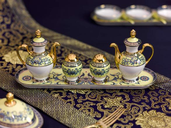 Chiêm ngưỡng bộ bàn ăn dát vàng ở tiệc chiêu đãi APEC - Ảnh 10.