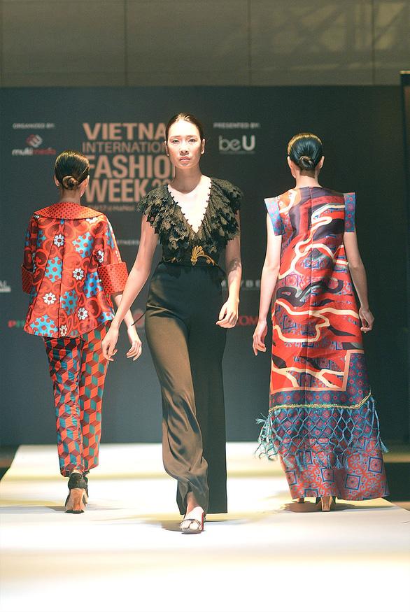 Công Trí mở màn Tuần lễ thời trang quốc tế Việt Nam - Ảnh 5.