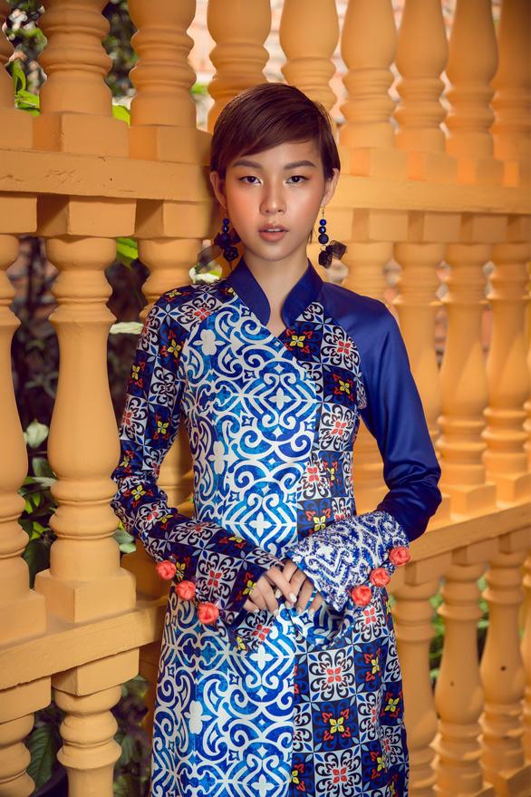 Tóc ngắn Phí Phương Anh cá tính với áo dài - Ảnh 4.