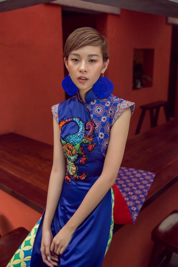 Tóc ngắn Phí Phương Anh cá tính với áo dài - Ảnh 5.