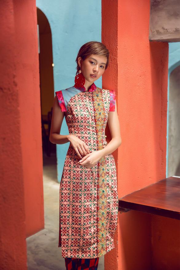 Tóc ngắn Phí Phương Anh cá tính với áo dài - Ảnh 10.