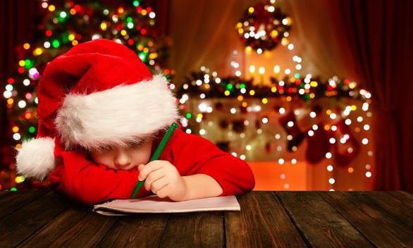 Trẻ phát triển toàn diện hơn nhờ viết thư cho ông già Noel? - Ảnh 1.