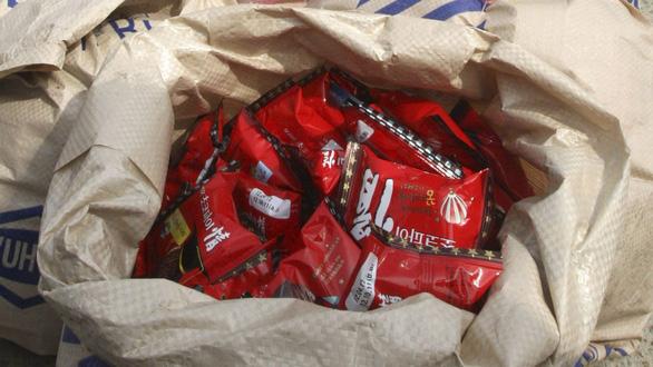 Đằng sau việc anh lính Triều Tiên đào tẩu xin bánh Choco Pie - Ảnh 3.