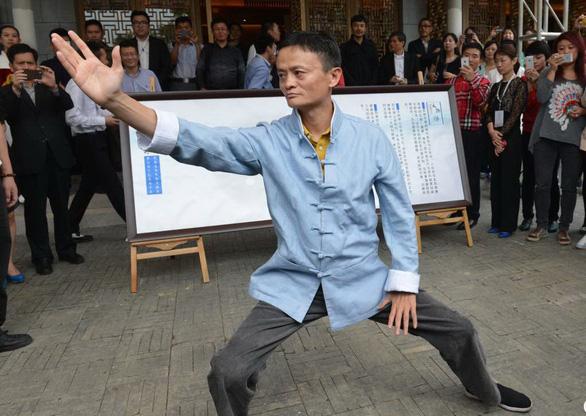 Động thái của tỉ phú Jack Ma và mục đích của Công thủ đạo - Ảnh 4.