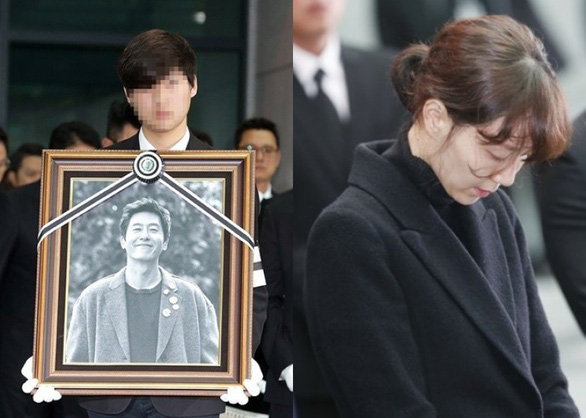 Song Joong Ki hoãn tuần trăng mật đến viếng Kim Joo Hyuk - Ảnh 2.