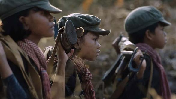 Góc nhìn đậm nữ tính về chế độ Pol Pot qua phim của Angelina Jolie - Ảnh 3.
