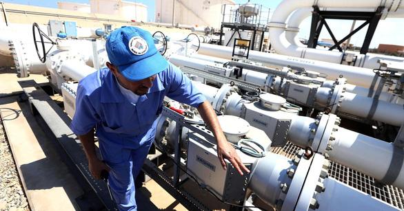 Nổ đường ống dẫn dầu tại Libya, giá dầu thế giới tăng nhanh - Ảnh 1.