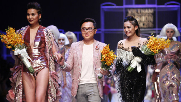 Công Trí mở màn Tuần lễ thời trang quốc tế Việt Nam - Ảnh 1.