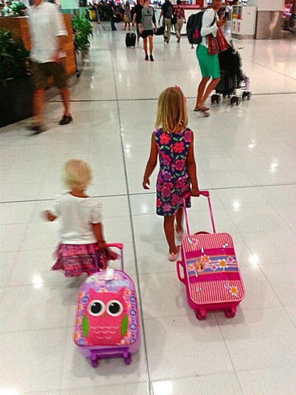 7 cách để giữ em bé ngoan ngoãn trên máy bay - Ảnh 6.