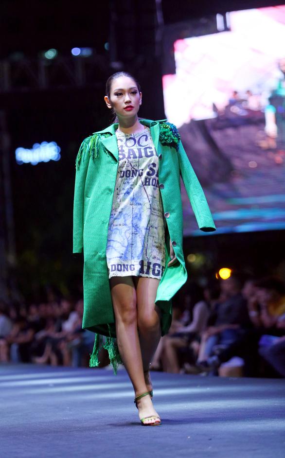 Bản đồ Sài Gòn lên bộ sưu tập thời trang của Dạ Thảo - Ảnh 3.