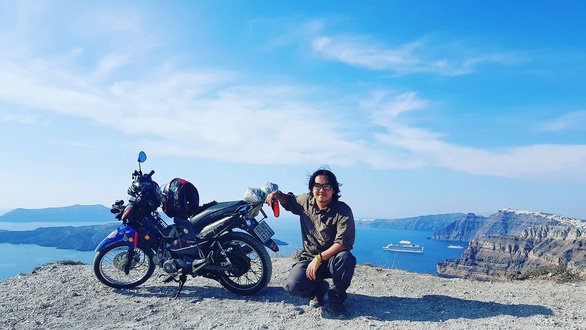 Chàng trai Tiền Giang đi xe máy từ Việt Nam đến Pháp - Ảnh 8.