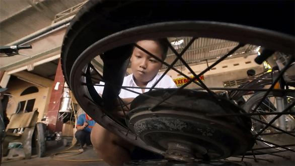 MC  Đỗ Thụy: Tôi vẫn chờ duyên lành khi dốc sức cho công việc - Ảnh 11.