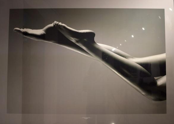 Khai mạc triển lãm ảnh khỏa thân của Hạo Nhiên - Ảnh 4.