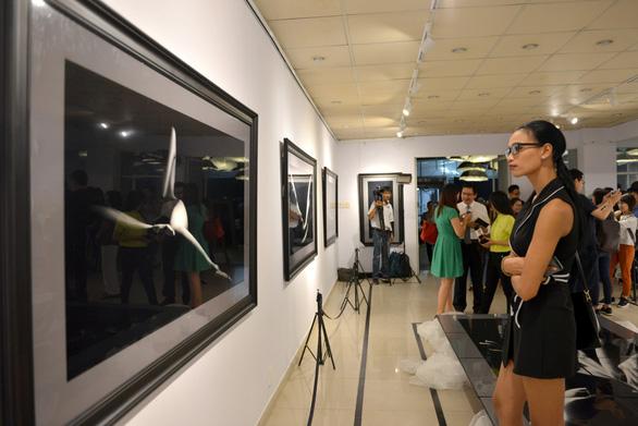 Khai mạc triển lãm ảnh khỏa thân của Hạo Nhiên - Ảnh 10.