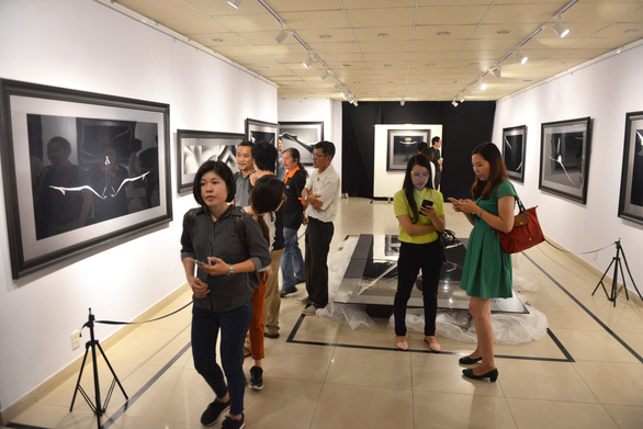 Khai mạc triển lãm ảnh khỏa thân của Hạo Nhiên - Ảnh 8.
