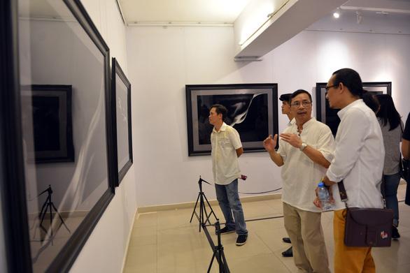 Khai mạc triển lãm ảnh khỏa thân của Hạo Nhiên - Ảnh 9.