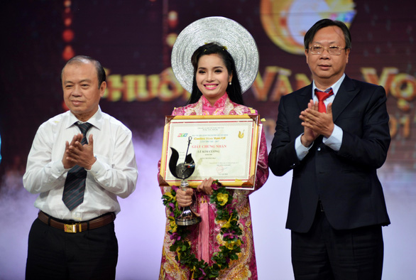 Nguyễn Văn Khởi giành Chuông vàng vọng cổ 2017 với 100 triệu đồng - Ảnh 7.