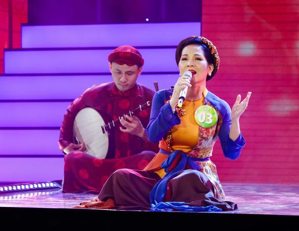 Tuấn Ngọc hát Như đã dấu yêu ở chung kết Tiếng hát mãi xanh - Ảnh 2.
