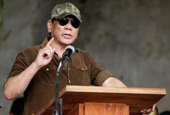 Ông Rodrigo Duterte đề xuất cho mình lãnh đạo cảnh sát quốc gia luôn - Ảnh 1.