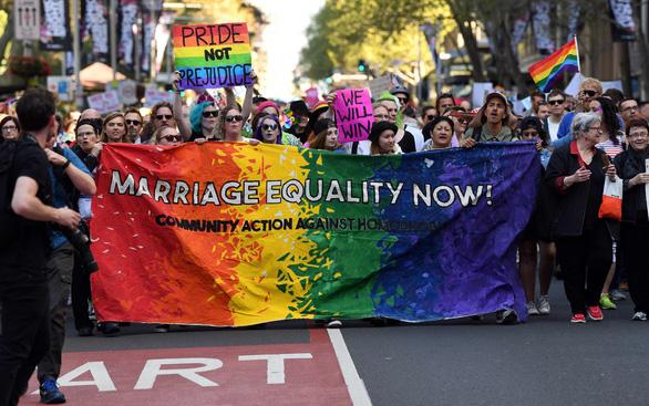 Lễ ăn mừng cầu vồng của người đồng tính Úc - Ảnh 2.