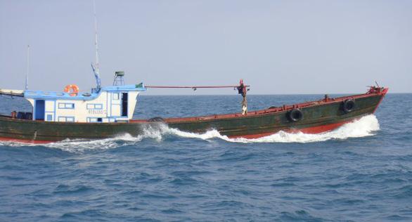 Nhiều tàu cá Trung Quốc tháo chạy khi bị phát hiện xâm phạm biển Việt Nam - Ảnh 2.