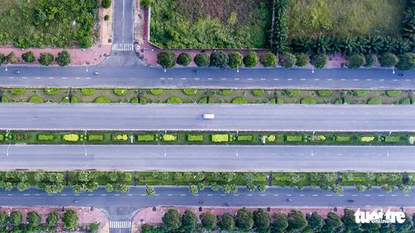 Xe cộ Sài Gòn nhìn từ flycam - Ảnh 10.