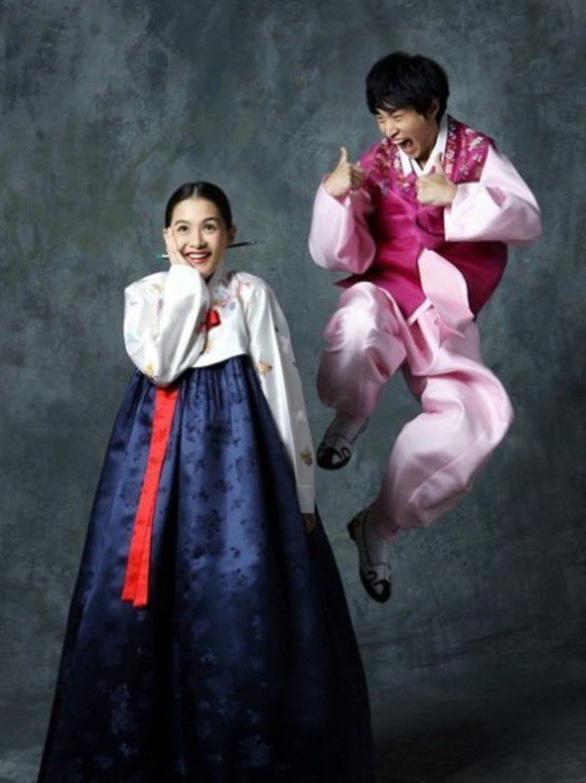 Điểm mặt cặp sao Hàn nổi tiếng hơn sau khi kết hôn - Ảnh 10.