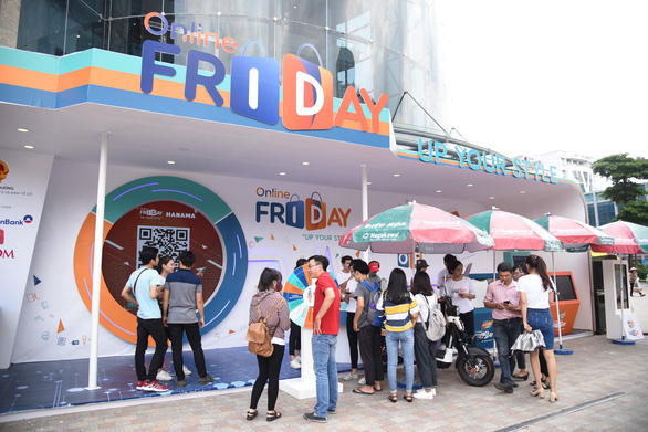Khởi động ngày mua sắm trực tuyến Online Friday siêu sao siêu sale - Ảnh 1.