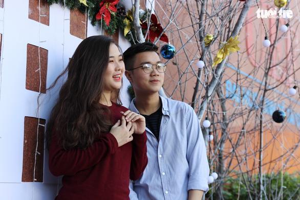 Các trường đại học rực rỡ sắc màu Giáng sinh - Ảnh 4.