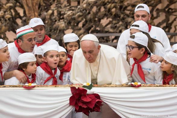 Giáo hoàng nói việc tung tin giả và tin giật gân là 'tội lỗi rất lớn' - Ảnh 1.